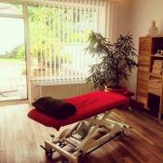Komfortable Physiotherapieliegen, die individuell auf sie eingestellt werden. Physiotherapie Mehlan - Düsseldorf